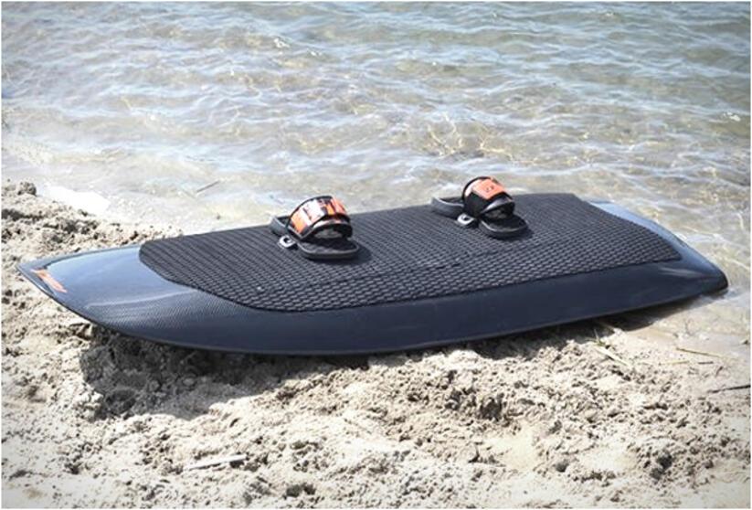 06f232f06c7 Radinn - електрически сърф, за да обяздитe водната стихия без вълни ...
