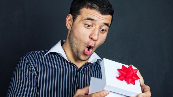 Какво мислят мъжете за подаръците, които получават?