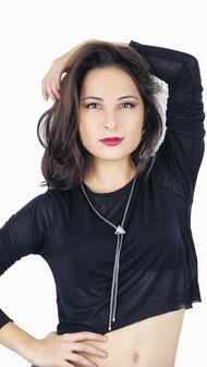 Лина Никол за баланса, бягството от реалността и отговорността да бъдеш музикант
