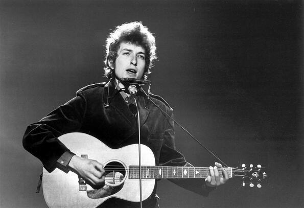 Боб Дилън спечели Нобеловата награда за литература