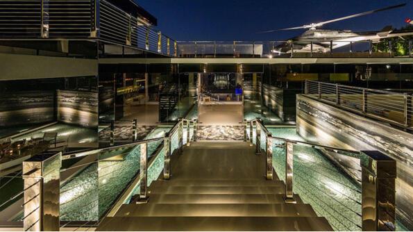 """<p>На американския пазар на недвижими имоти се появи властелина на апартаментите. Той се намира вБел<span style=""""background-image: url(../img/wline.gif); background-color: #ffffff;"""">Еър</span>, Лос Анджелис и струва250милиона долара. Освен изброените в подзаглавиетодостойнстваима още и 12 спални и 21 тоалетни. Разбира се, това не е всичко, повече можеш да разгледаш по-долу.</p>"""