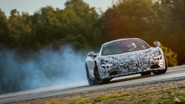 Суперкола на McLaren, която спира от 200 км/ч за 4,6 секунди!!!