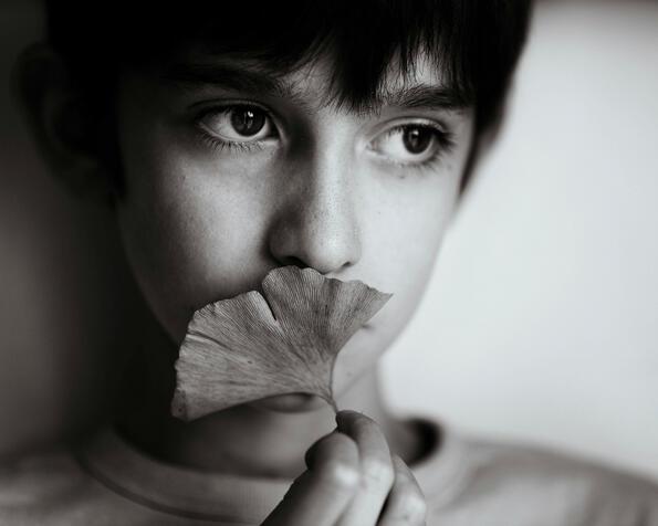 7 поразителни снимки на дeте аутист, които са направени от неговата майка!