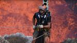 Заради Google Street View едни пичове слязоха в действащ вулкан! (Видео)