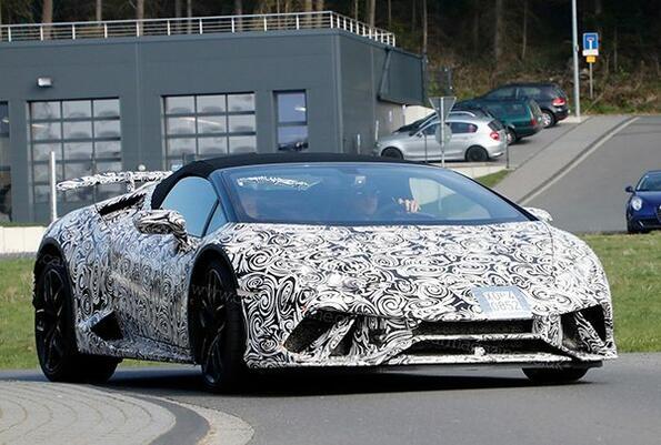 Най-мощното Lamborghini, правено някога, ще бъде без покрив