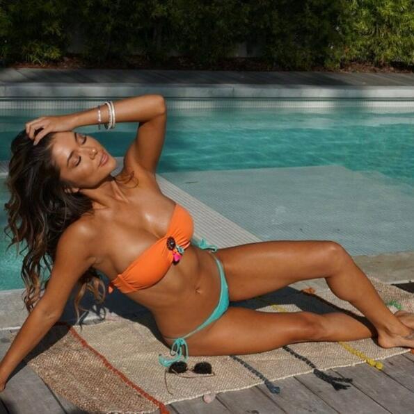 <p>Ариани е фитнес маниак, телевизионен водещ и модел. Супер е!</p>