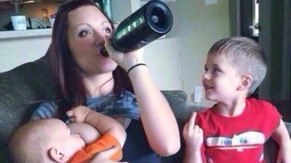 Майки, на които трябва да им се вземат децата...