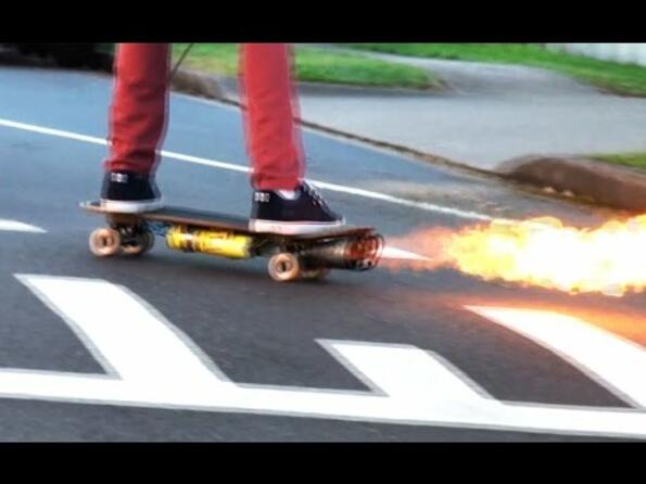 Скейтборд – Огнехвъргачка!