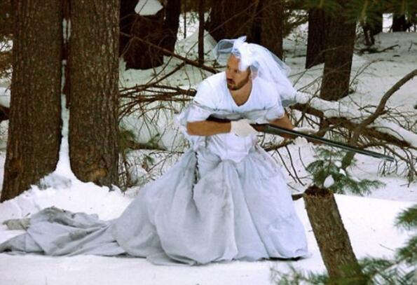Какво да правиш със сватбената ролкля на жена си след развода?
