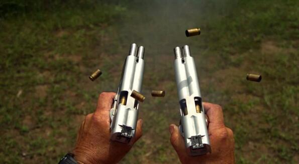 """Как се стреля с два двудулни пистолета: AF2011-A1 """"Second Century"""""""
