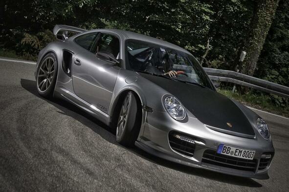 Продадено: Хардкор Porsche 911 GT2 RS
