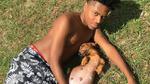 Мъж си направи фотосесия с бременното си куче и хората полудяха