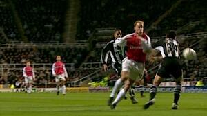 Виж най-красивия гол в английския футбол!