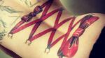 Груб, но и сексапилен тренд при татуировките: Корсет