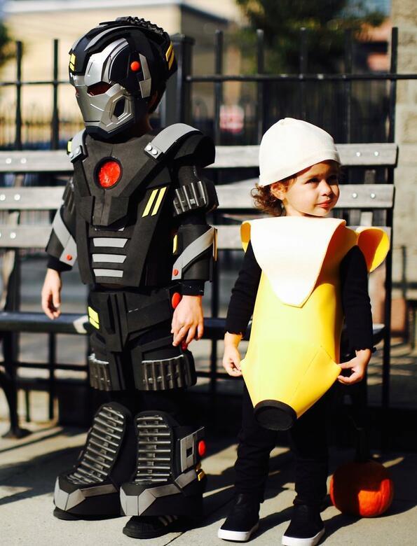 Този баща прави страхотни Хелоуин костюми за децата си