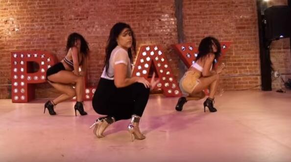 Брутални мацки танцуват на новата песен на Джейсън Деруло