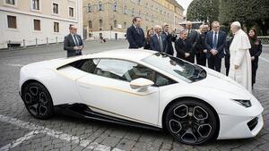 Знаеш ли какъв суперавтомобил има папата?