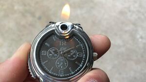 Мъжка играчка на седмицата: часовник – запалка!