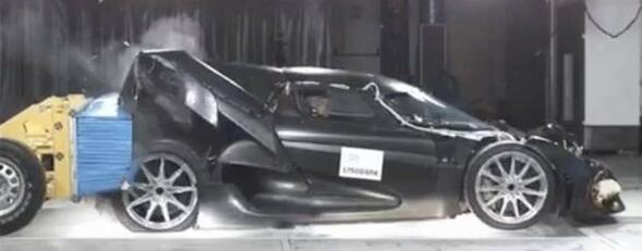 Ето как се чупи кола за 1,9 млн. долара!