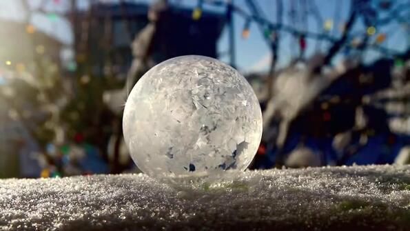 Как замръзват сапунените мехури: много интересен експеримент!