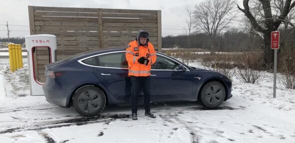 Tesla Model 3 с още един рекорд