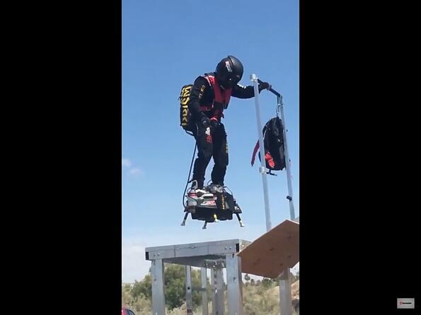 Ето как протичат тестовете на летящия скейт! (видео)