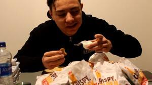 Възможно ли е човек да изяде 100 пилешки хапки наведнъж?