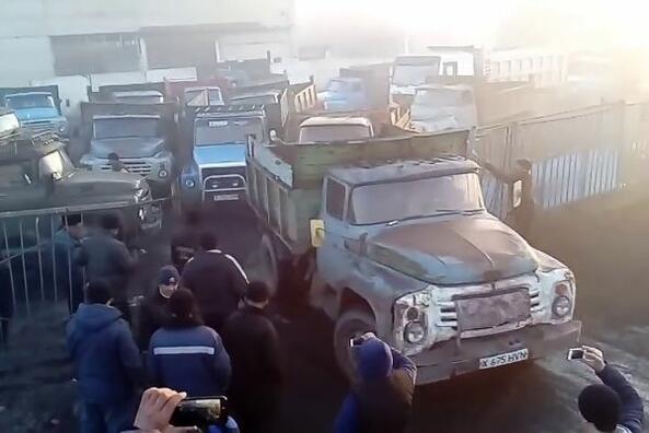 Брутален бой на камиони в Казахстан!