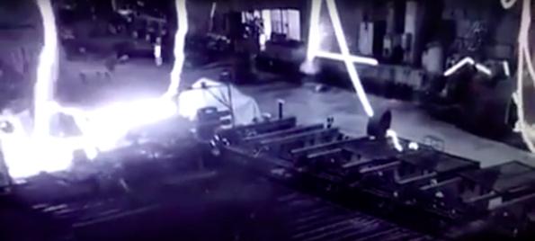 Ужасяващо видео, какво може да се случи в един завод за метал!