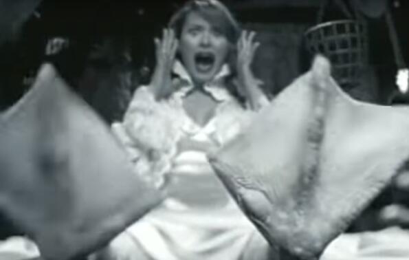 Гледай Мелания Тръмп като патица в една 13-годишна реклама!