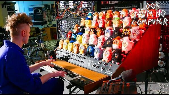 Орган от Furby: най-кошмарното нещо за масово поразяване!