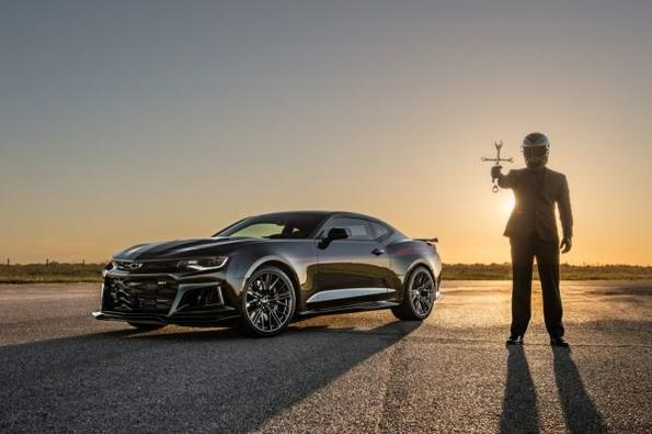 Гледай как Chevrolet Camaro ZL1 вдигна 349 км/ч!