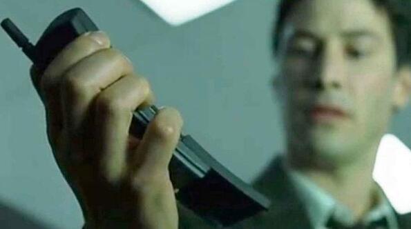 """Nokia пуска римейк на знаменития телефон от """"Матрицата""""!"""