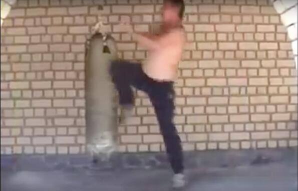 Публикуваха видео със секретно бойно изкуство!