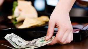 Оставянето на бакшиш е практика, която варира от страна на страна
