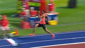 Ето как изглежда човекът, който прескочи 9 метра!