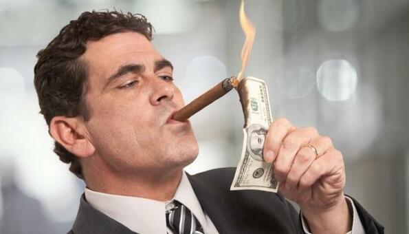 Богатите все по-заинтересовани от криптовалутите
