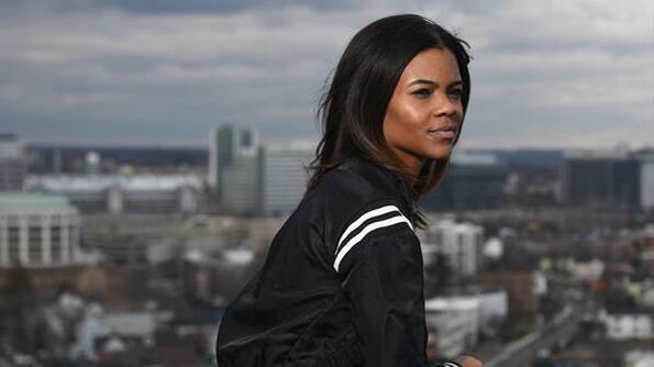 Twitter блокира профила на чернокожата консерваторка Кандис Оуенс