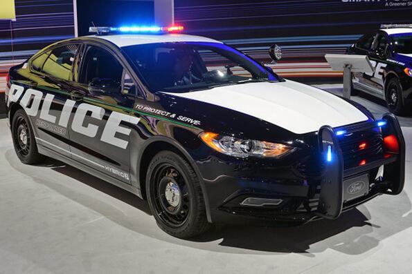 Безшумни полицейски електромобили от Ford