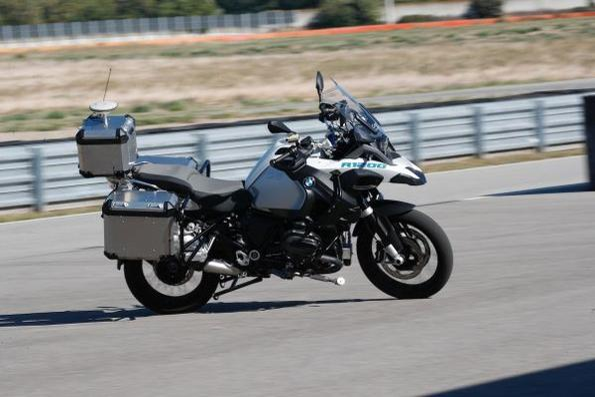 Виж безпилотния мотоциклет на BMW!
