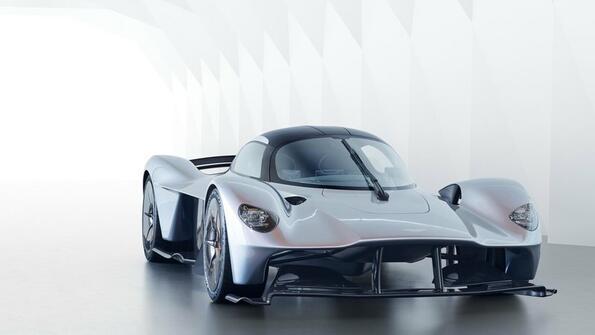 Как звучи Aston Martin Valkyrie!