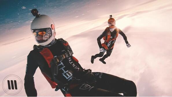 Скок с парашут, заснет с камера за 25 хиляди долара