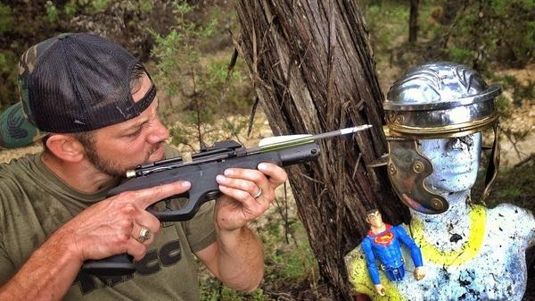 Може ли пневматичен пистолет да счупи римска каска?!