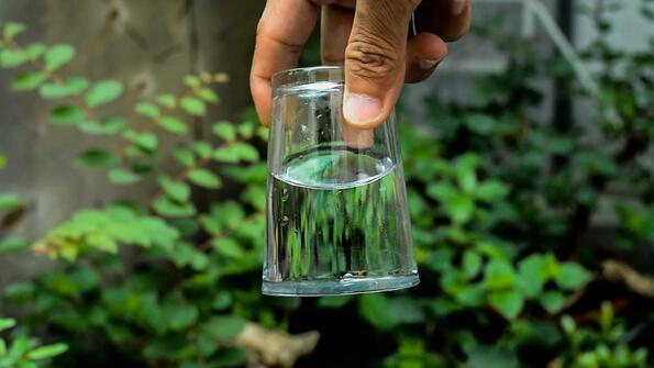 10 невероятни опита с вода, които може да си ги направиш вкъщи