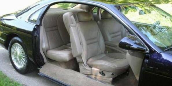 Изчезващите врати – забравената технология при автомобилите