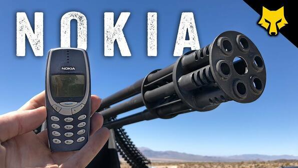 Безсмъртната Nokia 3310 срещу 6-стволовото оръжие M61 Vulcan