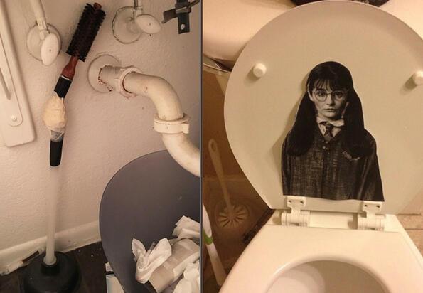 Момичета снимат най-страните неща, които са намирали в тоалетните на момчета