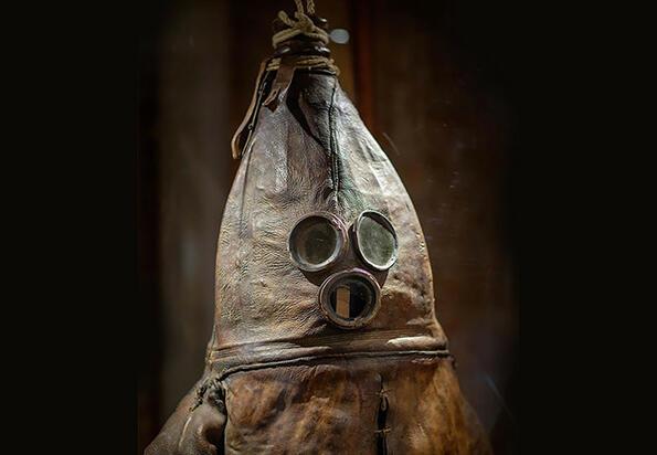 Виж как изглежда водолазен костюм от XVIII век