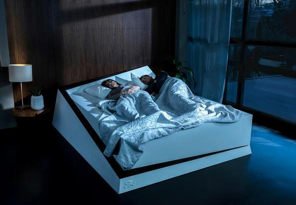 Най-накрая! Ford направи легло, от което никога повече момичето няма да те избута