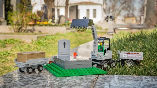 Новата супер странна колекция на Lego: гробищен парк